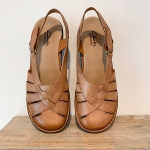 Clarks Bendables Tan Brown Leather Sandal Like New
